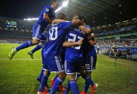 Paraguayan players cheer